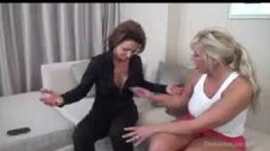 Deauxma and Carey Riley having some lesbian fun